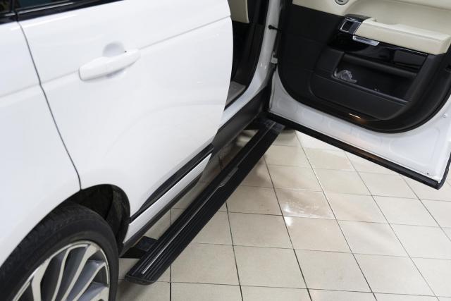 Оригинальные выдвижные электропороги на Range Rover
