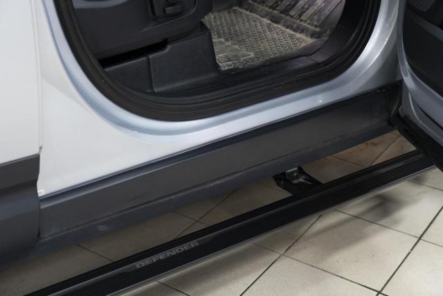 Установка выдвижных электропорогов ATS на Land Rover Defender
